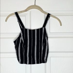 Hollister | Black and white stripe | Crop Top
